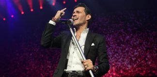 cuanto gana marc anthony